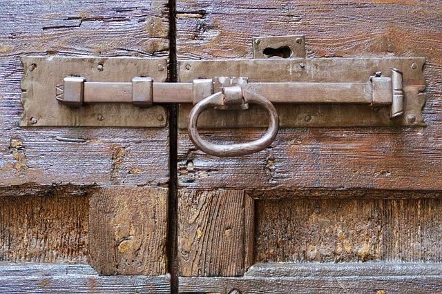 door-handle-3664869_640
